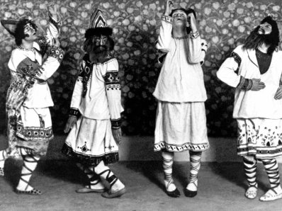 artoris-magazine-sacre-printemps-costume-danceur