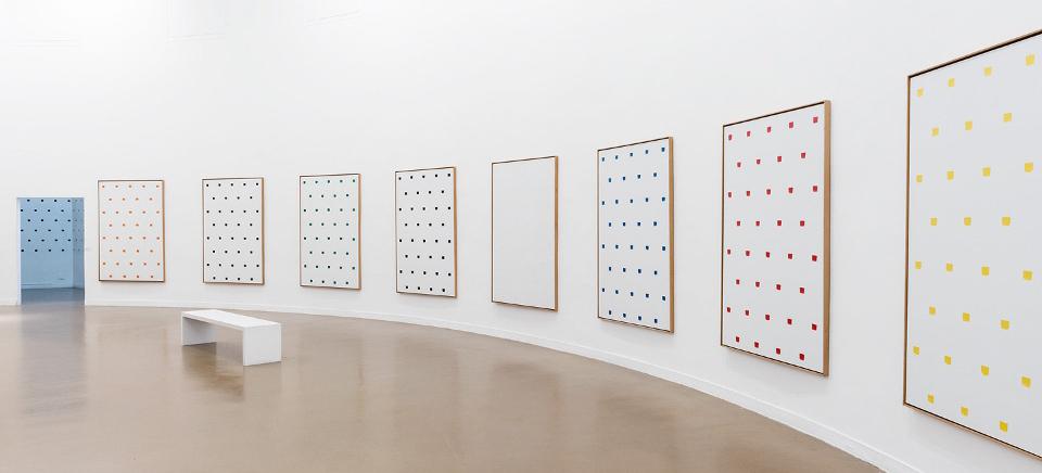 Niele Toroni au Musée d'Art moderne de la Ville de Paris © Pierre Antoine