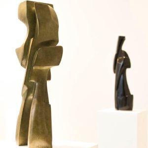 """Antoine VIDAL """"April"""" (gauche) et """"Sophia"""" (droite) Sculpture bronze photo ©Muriel Rouget"""