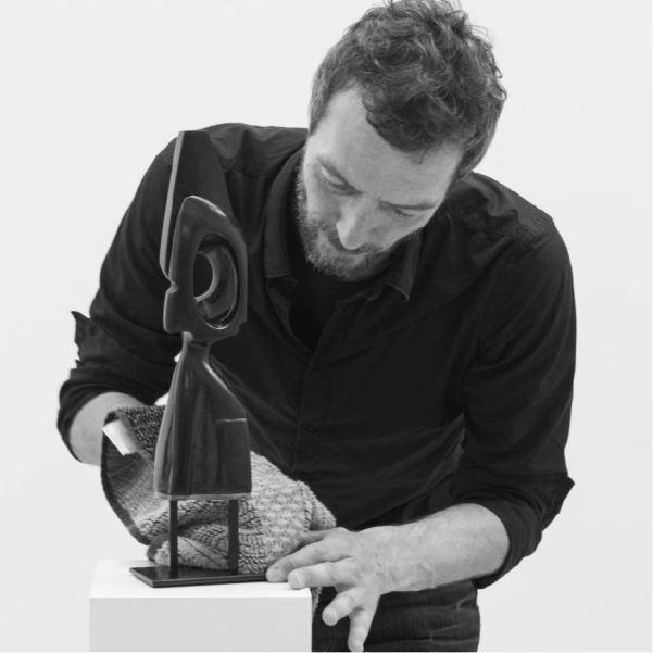 """Antoine VIDAL """"Le prix de l'autre"""", Sculpture bronze, photo ©Muriel Rouget Antoine VIDAL Le prix de l'autre, Sculpture bronze, photo ©Muriel Rouget"""