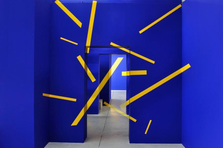 """Exposition """"Suite d'Eclats"""" - Felice Varini Nantes, HAB Galerie ©gωen"""