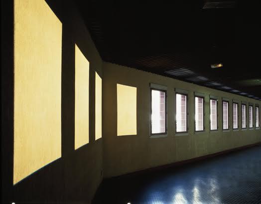 Michel VERJUX Passage 1987 Exposition Un artiste, un musée, Eco-musée Saint-Quentin en Yvelines, 1987 Photo : Quentin Berthoux