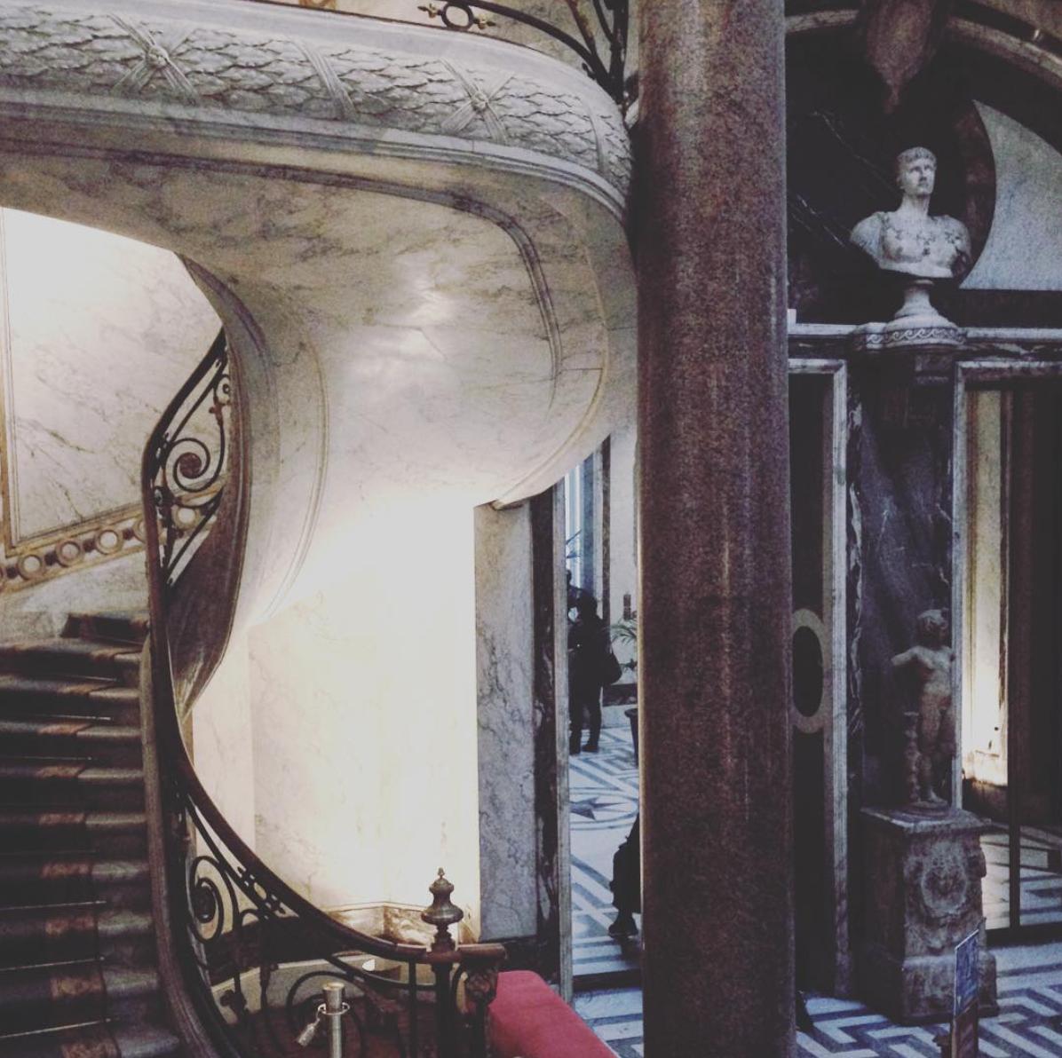Détail de l'escalier du jardin d'hiver du Musée Jacquemart-André. Photo Artoris Magazine